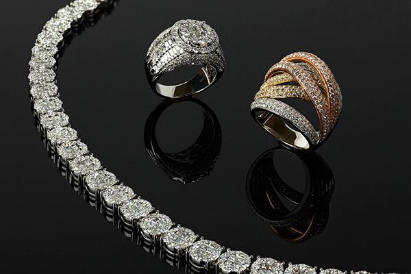 cumparam bijuterii